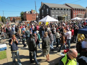 Chili Cook Off Crowd, Dubuque, IA